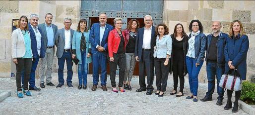 Las autoridades apoyaron la labor social de la fundación que preside José L. García Mallada