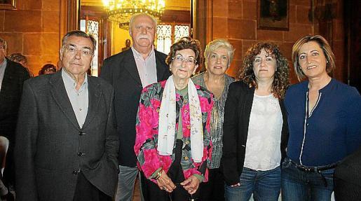 De la Fundación Patronato Obrero: Juan López, Juan Fernández, Marisol Sanjuán, Margarita González, Lucía Carreras y Carmen López.