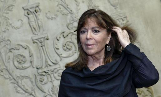 La cantante Maria del Mar Bonet en el Teatro Principal de Valencia, donde ha presentado su gira por la Comunitat Valenciana con motivo de sus 50 años en los escenarios, su biografía, 'Intensamente', y su nuevo disco, 'Ultramar'.