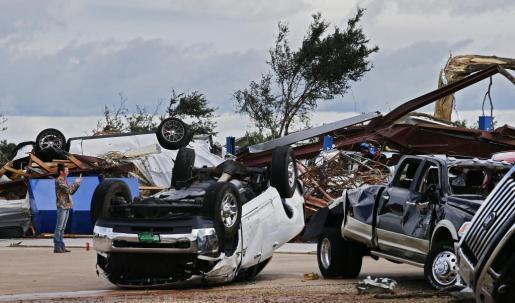 Efectos del tornado en Canton, Texas.