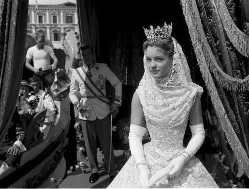"""Imagen de uno de los 130 retratos de la actriz Romy Schneider (1938-1982) incluidos en la muestra """"El recuerdo es a menudo lo más bello - Retratos fotográficos de Romy Schneider""""."""