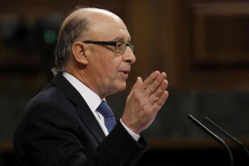 El ministro de Hacienda, Cristóbal Montoro,durante su intervención en el debate de los Presupuestos Generales del Estado de 2017-