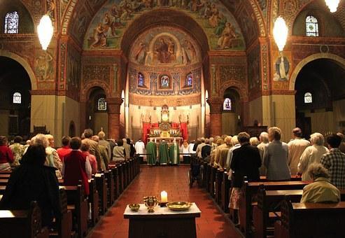 En 2016 ha disminuido la ordenación de sacerdotes.