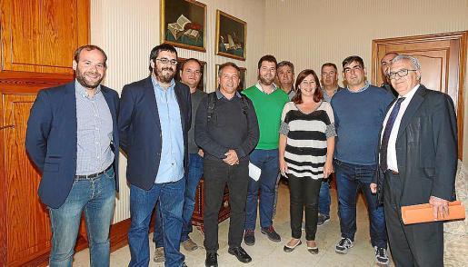 El alcalde de Maria, cazadores y agricultores se reunieron con Armengol y Vidal.