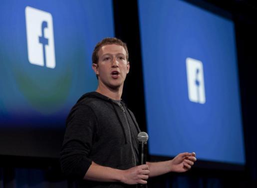 Fotografía de archivo que muestra al cofundador de Facebook, Mark Zuckerberg, durante un evento en la sede de la compañía en Menlo Park.