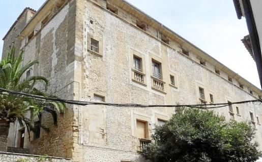 La Guardia Civil se llevó este miércoles del Ajuntament información sobre centenares de expedientes de infracción urbanística.