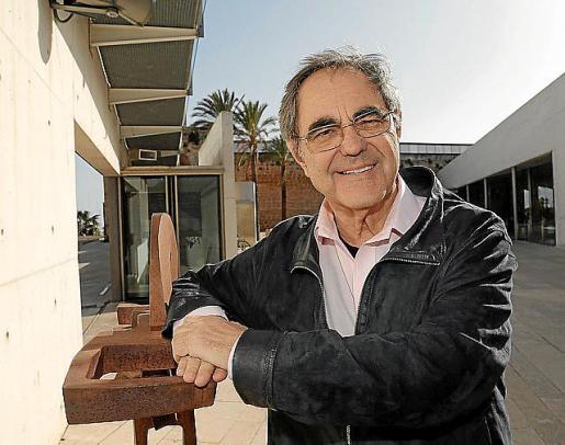 El escritor Gabriel Janer Manila.