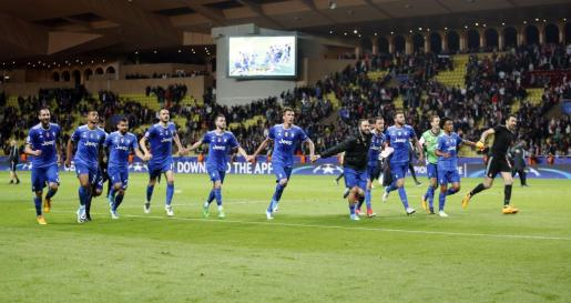 Los jugadores del Juventus celebran la victoria ante el Mónaco.
