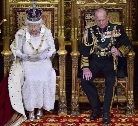 La reina Isabel II junto a su marido, el príncipe Felipe de Edimburgo.