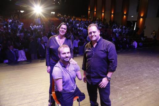 Kyle Maynard, Juan Pablo y Marta Andreu antes del inicio del congreso.