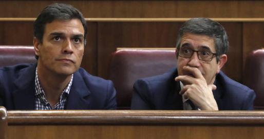 El exsecretario general del PSOE y aspirante a volver al puesto, Pedro Sánchez, quiere que su contrincante Patxi López se integre en su candidatura para las primarias del 21 de mayo.