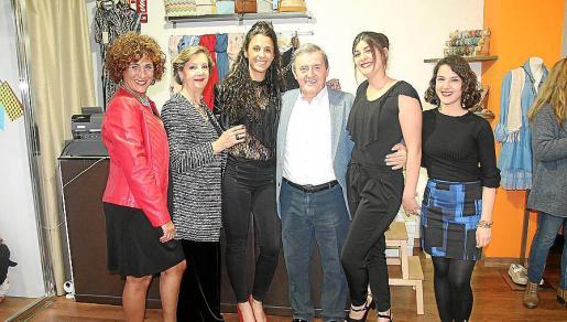 Margarita García, Mercedes Alonso, Cristina Quetglas, Claudio Pujol, Agustina Galán y Lidia Sutil.