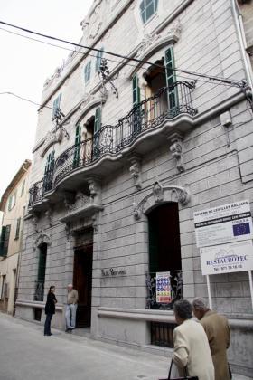Fachada monumental del Museu Modernista de Can Prunera.