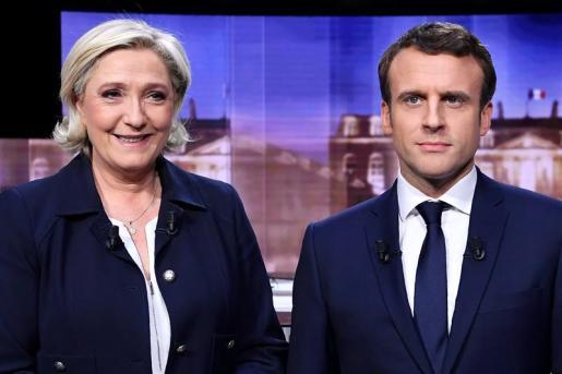 Los sondeos dan una clara ventaja al socioliberal Emmanuel Macron frente a la ultraderechista Marine Le Pen para alcanzar la Presidencia.