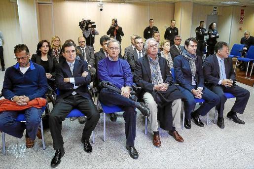 Los acusados por el 'caso Nóos han sido condenados a pagar un total de 2,6 millones de euros, pero de esta cantidad aún no se ha cobrado apenas nada porque la sentencia no es firme todavía