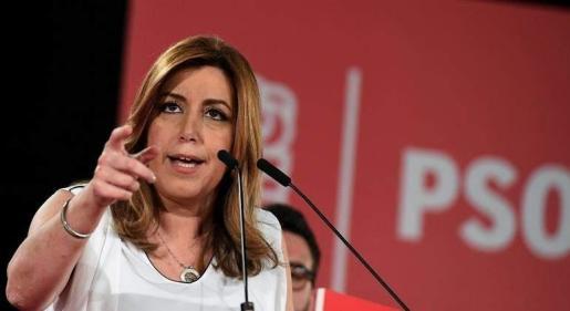 «Yo salgo siempre a ganar porque salir a pactar no se corresponde con la historia de mi partido, y quien sale con un plan B es que no confía en su plan A», ha asegurado la presidenta de Andalucía.