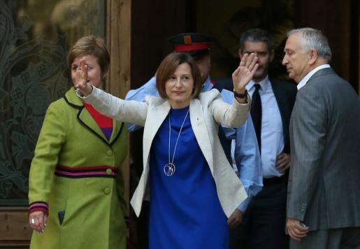 La presidenta del Parlament, Carme Forcadell, ha reclamado al Tribunal Superior de Justicia de Catalunya (TSJC) y a la Fiscalía que defiendan su inviolabilidad parlamentaria como garantía de la separación de poderes, han explicado fuentes judiciales.