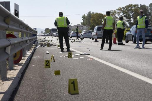 La conductora de un turismo arrolló a un grupo de ciclistas a primera hora de este domingo. Solo uno resultó ileso.