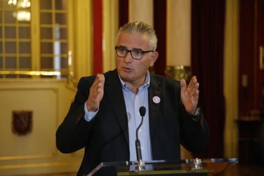 La candidatura balear incluye a Josep Melià como secretario general, a Francisca Mora, Joan Frocada y Joan Torres como vicepresidentes y a Maria Antònia Sureda como tesorera.