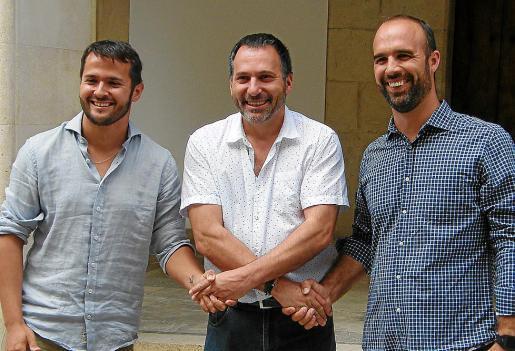 Xisco Duarte (PSOE), Joan Xamena (Bloc), actual alcalde, y Jaume Monserrat (PI).