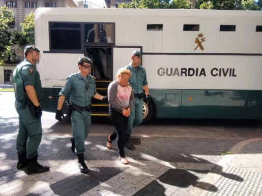 Una de las detenidas en la operación Valley del pasado miércoles contra la droga pasa la tarde de este viernes a disposición judicial.