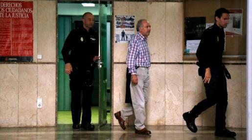 El presidente de Acotur, Pepe Tirado, este viernes en las dependencias judiciales de Palma.