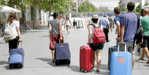 MÉS y PSIB presentarán modificaciones al proyecto de ley de alquiler de viviendas a turistas.