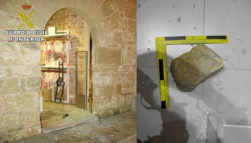Una de las tiendas asaltadas en Alcúdia y, al lado, la piedra utilizada para reventar el cristal.