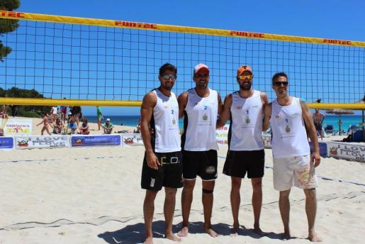 Christian García, Juanma Vado, Renzo Cairus y Nicolas Zanotta jugaron el partido de exhibición masculino.