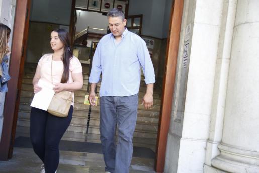 Varios afectados por el caso Minerval a su salida de los Juzgados de Palma.