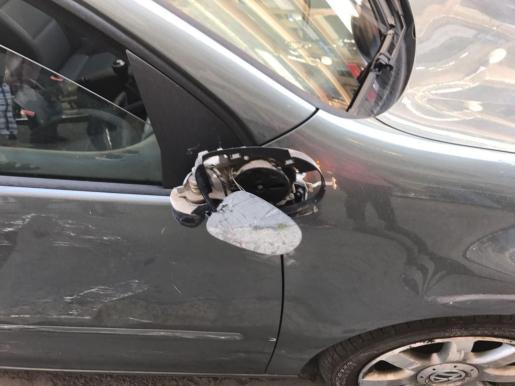 Un autobús y un coche han colisionado en Palma.