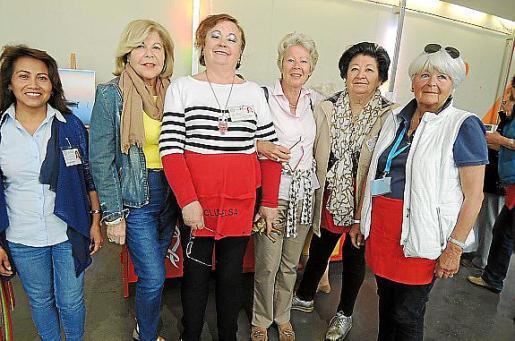 Julia Pachá, Carmen Carreras, Isabel Vera, Helga Bierhalter, Margarita Mateu y Bárbara Lüllemann.