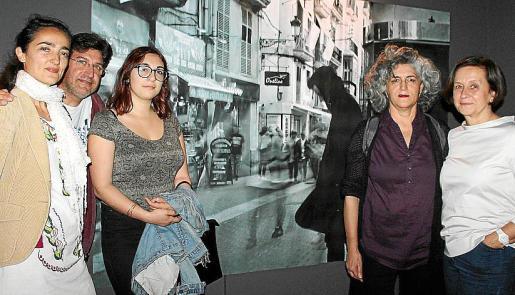 Izquierda: Silvia Prio, Joan Lluís Miró, Carme Maimó, Mercedes Prieto y María Abando.