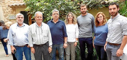Andreu Barceló, Crescencio Alonso, Salvador Sastre, Magdalena Alonso, Jaume Sastre, Maria Magdalena Vicens y Gregori Mayol.