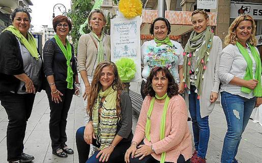 Virtudes Ferrera, Pilar López, Toya de la Vega, Aina M.Barón, Francisca Campins, Carmen Oropesa. Carla Campanella y Elena Monteoliva.