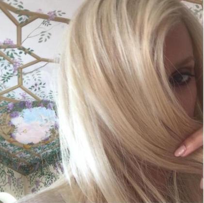 Penélope Cruz ha transformado su melena para meterse en la piel de Donatella Versace.