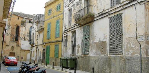 Algunos edificios del centro presentan un alto grado de abandono y están en situación de ruina.