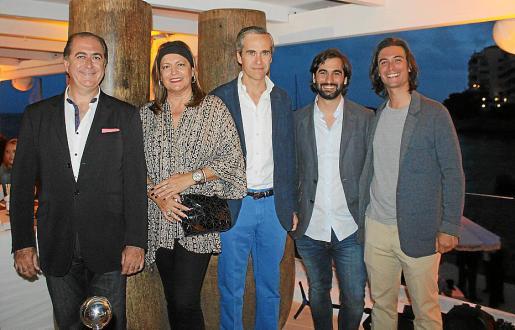 Matías Mut, director general de Puro Group; Eleonor Rosselló, Beltrán Álvarez de Estrada, CEO de Puro Group; e Íñigo y Borja Álvarez de Estrada.