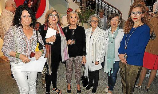 Aurora Muñoz, Margalida Fuster, Carmen Jurado, Aina Segura, Mª Magdalena Aguiló y Mercedes Estarellas.