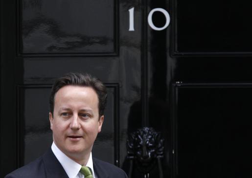 David Cameron, primer ministro inglés en su domicilio de 10 Downing Street.