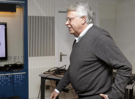El ex presidente del Gobierno Felipe González, antes de la entrevista que concedió esta mañana a la cadena Ser.