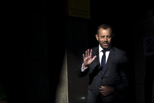 El expresidente del Barcelona Sandro Rosell, en una imagen de archivo, llegando a la Audiencia Nacional para responder a las preguntas del juez Pablo Ruz sobre su imputación por un delito de apropiación indebida en el fichaje del delantero brasileño Neymar.