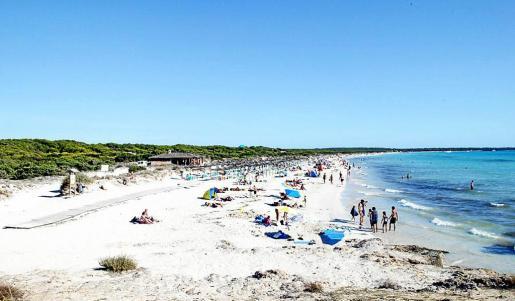 Imagen de la playa de es Trenc, un reclamo turístico de eco internacional cada verano.