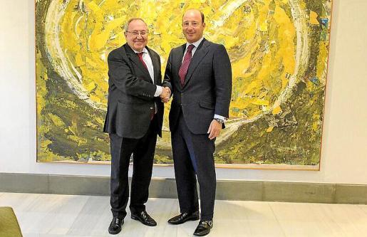 José Luis Bonet y Juan Manuel Cendoya presentaron la convocatoria de los premios.