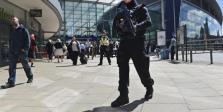 El Gobierno británico sospecha que el terrorista suicida no actuó solo