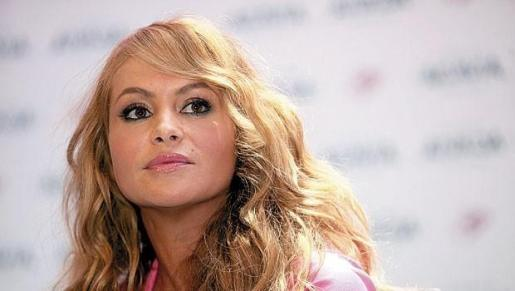 La cantante mexicana fue el objetivo de todas las críticas al confundir a Ariana Grande con Adriana Lima, el ángel de Victoria's Secret.