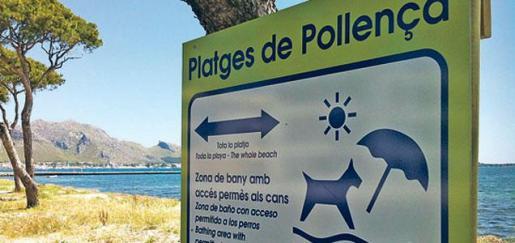 Imagen del cartel que hay en la playa de Llenaire.