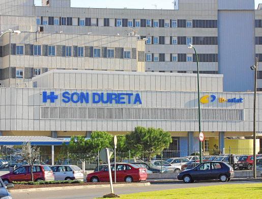 El menor fue operado en el hospital de Son Dureta en el año 2003.