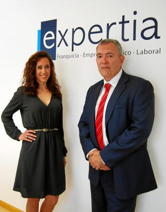 La abogada Sara Gómez y el economista Juan Antonio Tormo son socios fundadores de Expertia.