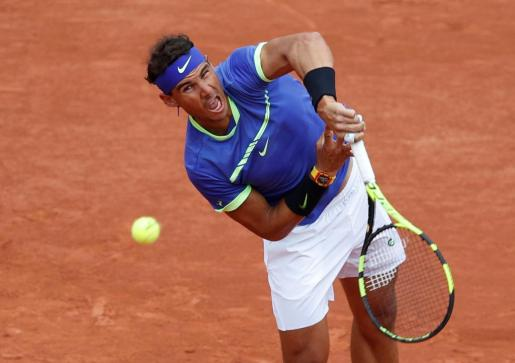 Imagen de Rafael Nadal durante el choque ante el francés Benoît Paire en la primera ronda de Roland Garros 2017.